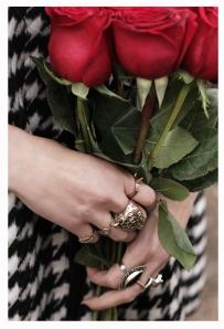 Detalle Mano&Rosas 1 (1)